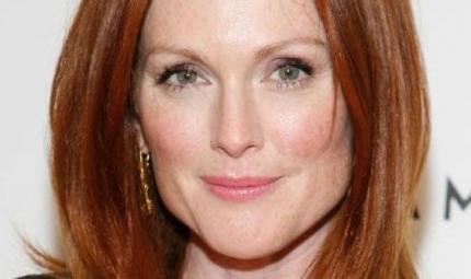 Capelli: torna di moda il rosso, come Julianne Moore