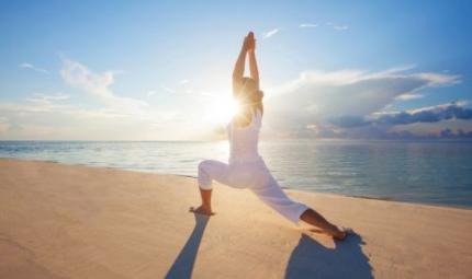 Yoga estivo: come adattare la pratica