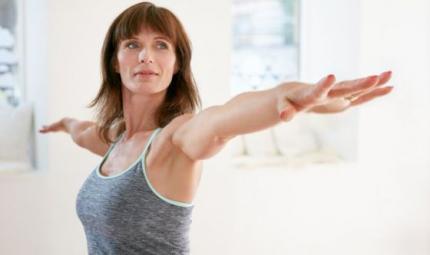 Stop alla sindrome premestruale con lo yoga