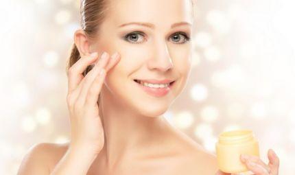 Strateris, la crema miracolosa per il contorno occhi