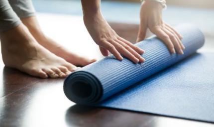Tappetini da yoga spessi, a chi servono e come sceglierli