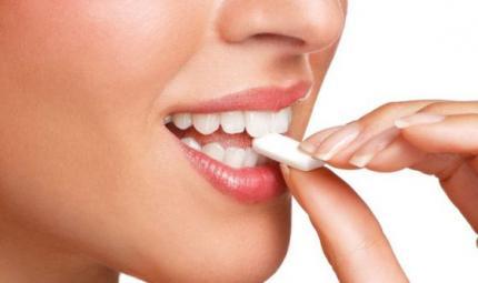 Prevenire le carie grazie ai chewing-gum allo xilitolo