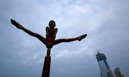 Mallakhab, lo yoga acrobatico