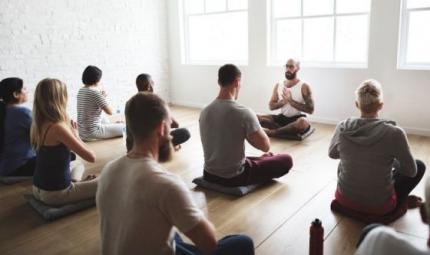 Lo yoga per combattere l'artrite