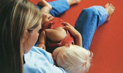 Reflusso nel neonato, allattamento al seno e dieta materna