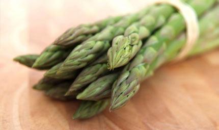 Gli asparagi: diuretici e benefici per la pelle