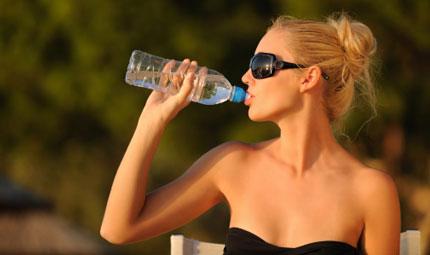5 trucchi per ricordarsi di bere
