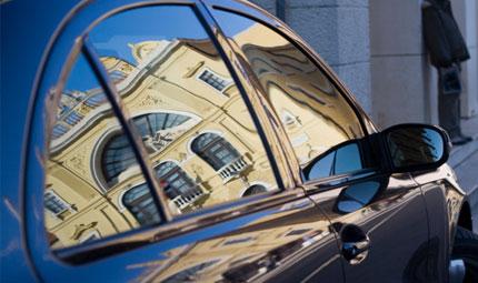 Bimbi dimenticati in auto: perché?