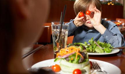 Bimbi: a tavola con gusto (e tanta acqua)