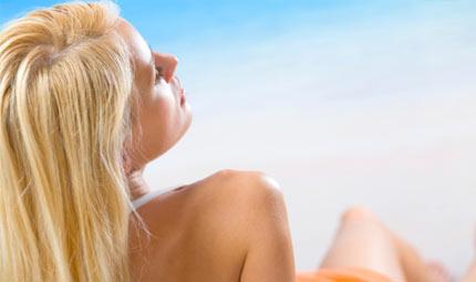 Bionde al sole: cura e protezione