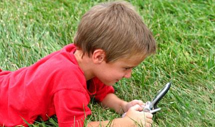 Cellulari e bambini: quali rischi?