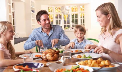 Cenare in famiglia fa bene