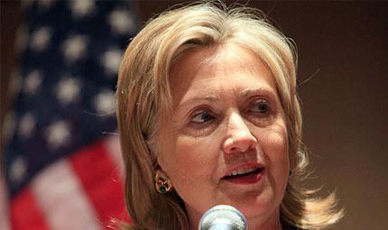 Hillary Clinton torna al lavoro: ma sta bene?