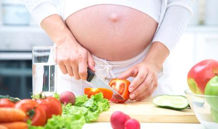Gravidanza: la dieta influenza il peso del bebè