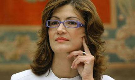 Parto cesareo per il ministro Gelmini