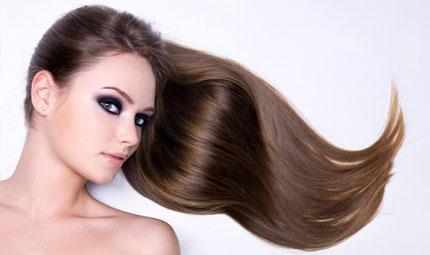 Lisciare i capelli senza rovinarli? Si può