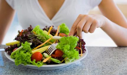 L'insalata? Meglio prima del pasto