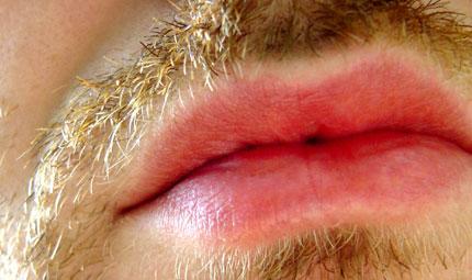 Uomini: è boom di richieste per labbra carnose