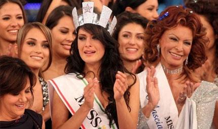 Miss Italia pensa alla chirurgia plastica