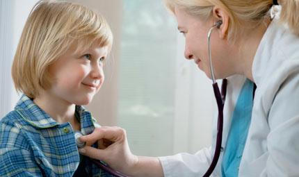 Pediatra fino a 6 anni? No da mamme e dottori