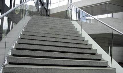 In forma con le scale