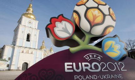 Euro 2012: l'Italia gioca e la strage dei cani continua