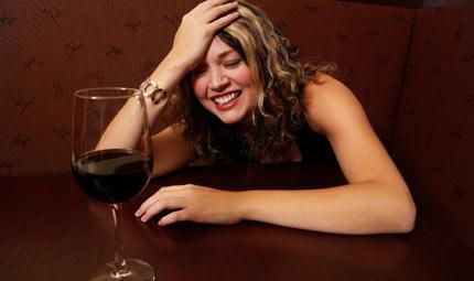 Alcol e mal di testa
